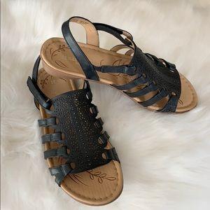 EUC. Naturalizer Black Whisper Sandals